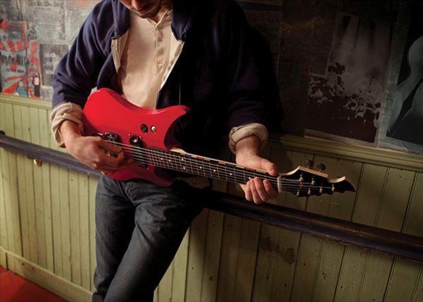2-Power-Gig-Rise-of-the-SixString-guitar Power Gig: Una guitarra real para jugar videojuegos