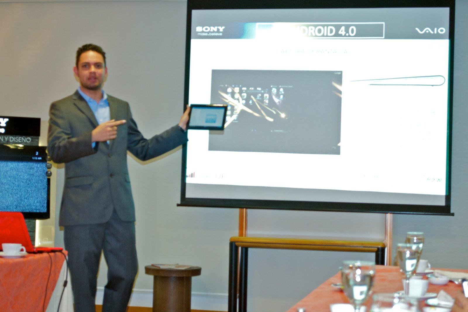 Evento de la presnetación de la Sony Tablet S en Bogotá, Colombia