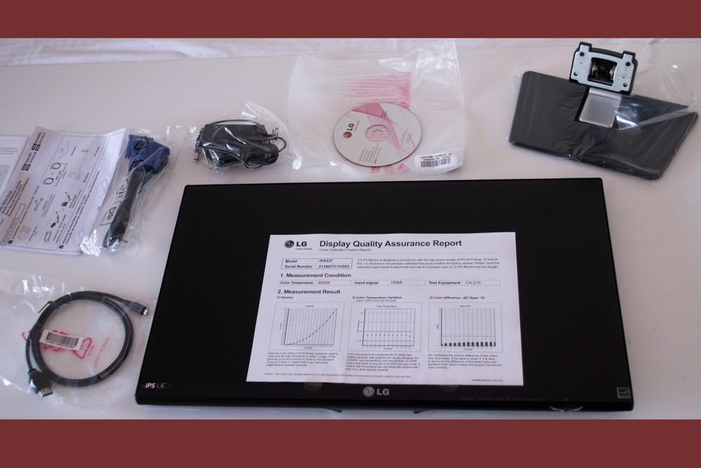 LG IPS 237L - contenido caja