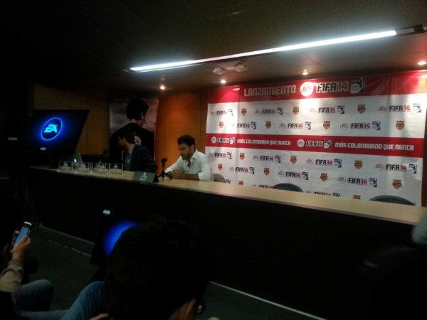 En el lanzamiento de FIFA 14En la rueda de prensa de FIFA 14
