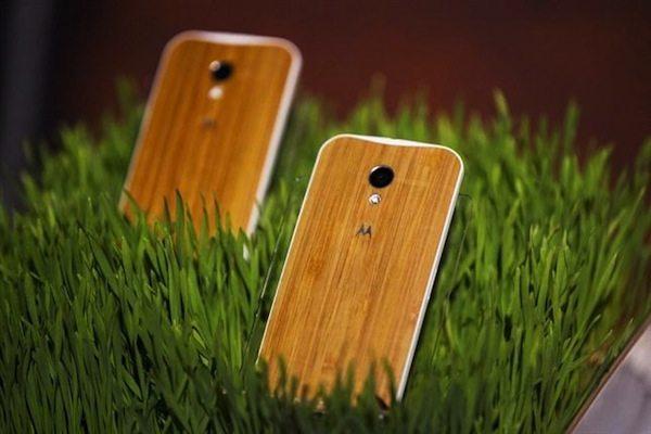 Moto X con acabado en madera de Bambú