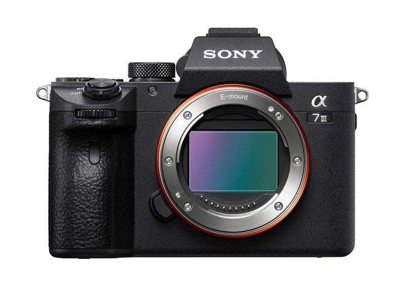 Sony A7 III - Cuerpo vista frontal