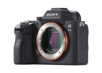 Sony A7 III - Cuerpo vista lateral