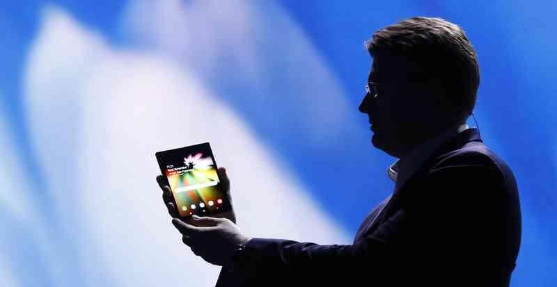 Justin Denison presenta el prototipo del Samsung F X - Planes de Samsugn 2019